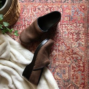 BJÖRNDAL • brown ally leather clogs size 8 1/2